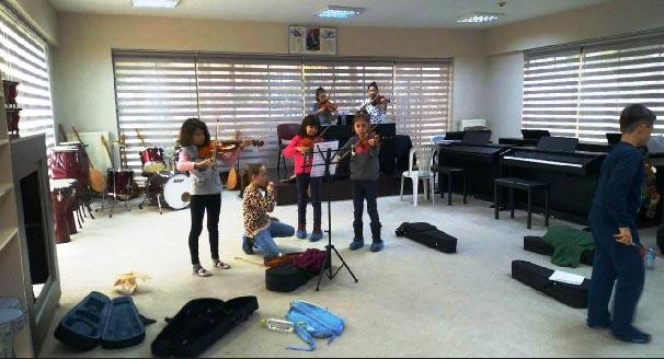 Müzik Okuluna çocuklardan ilgi