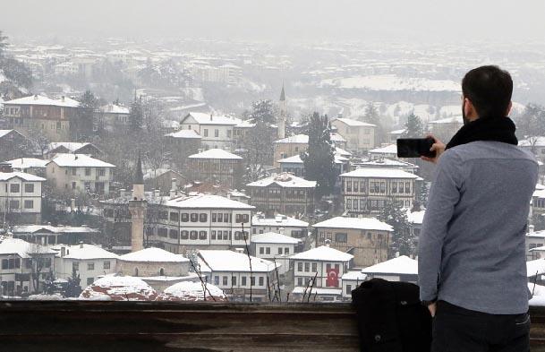 Safranbolu'da eşsiz kar manzaraları