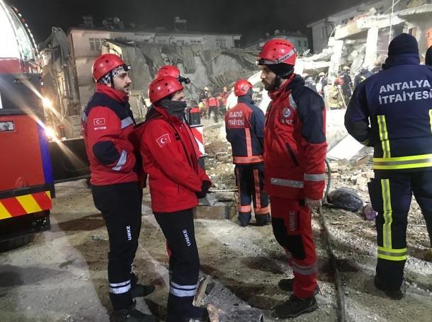 Karabük UMKE ekibi Elazığ'da çalışmalarını sürdürüyor