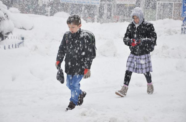 Eskipazar'da taşımalı eğitime kar engeli