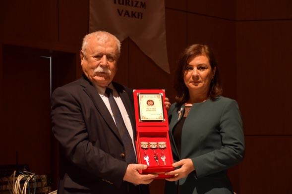 Leyla Dizdar Kültür Merkezinin devri yapıldı