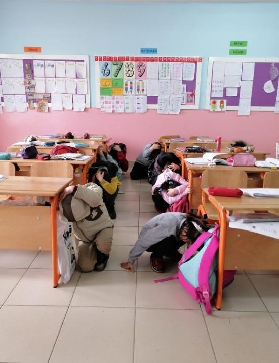 Yenice'de öğrencilere deprem tatbikatı