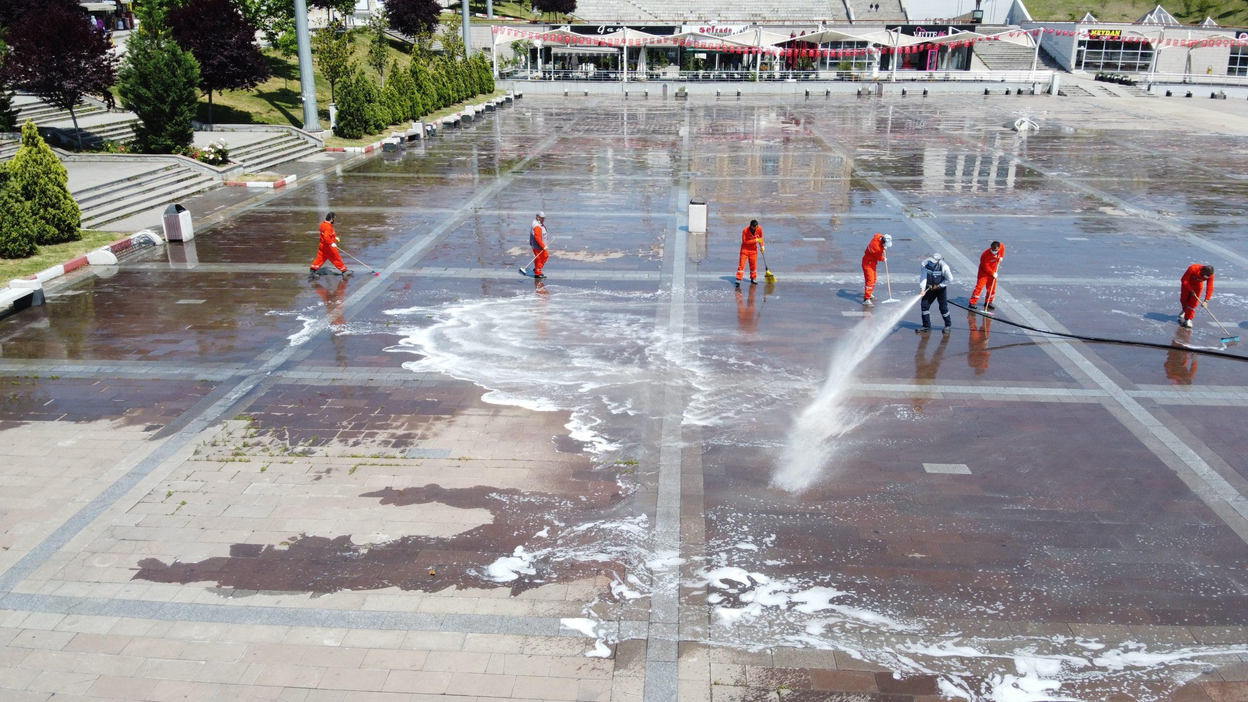 Karabük Kent Meydanı Cuma Namazına Hazır