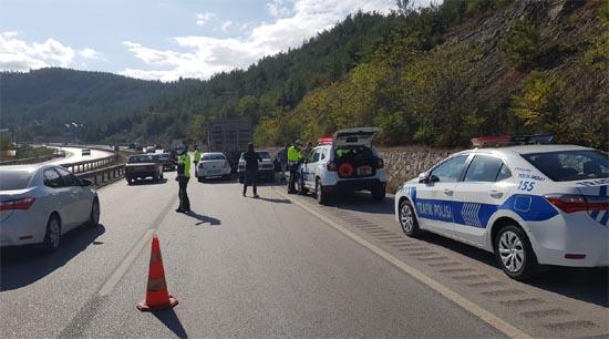 Karabük'te 5 araçlı zincirleme kaza