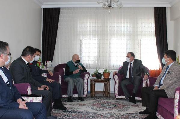 Kaymakam Türköz'den Şehit Ailelerine ziyaret