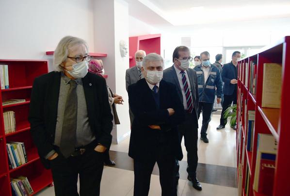 """KARDEMİR'de """"Ulusal Veritabanlı Sektör Kütüphanesi"""" açıldı"""